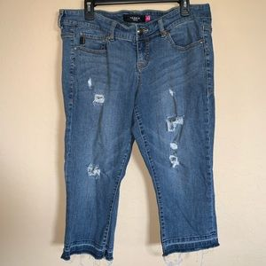 Torrid Denim distressed cropped jeans size 14